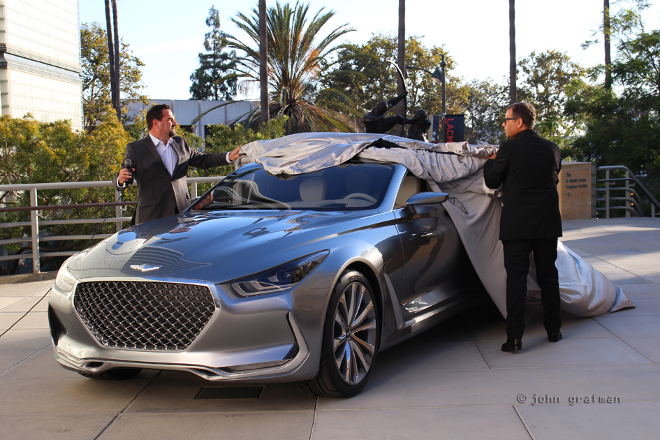 Hyundai Vision G with Chris Chapman (L) and Peter Schreyer (R)