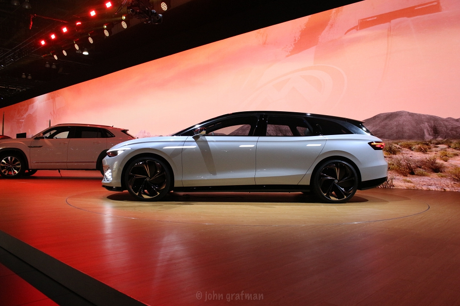 Los Angeles Auto Show 2019 VW