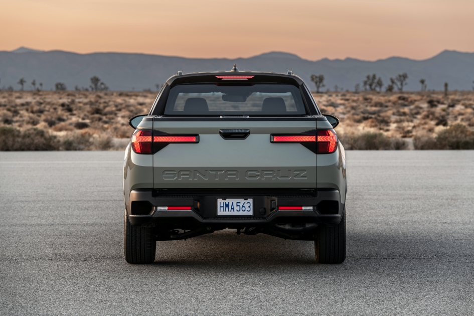 hyundai santa cruz rear view